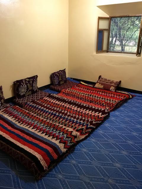 Slaap'zaal' in Amskere