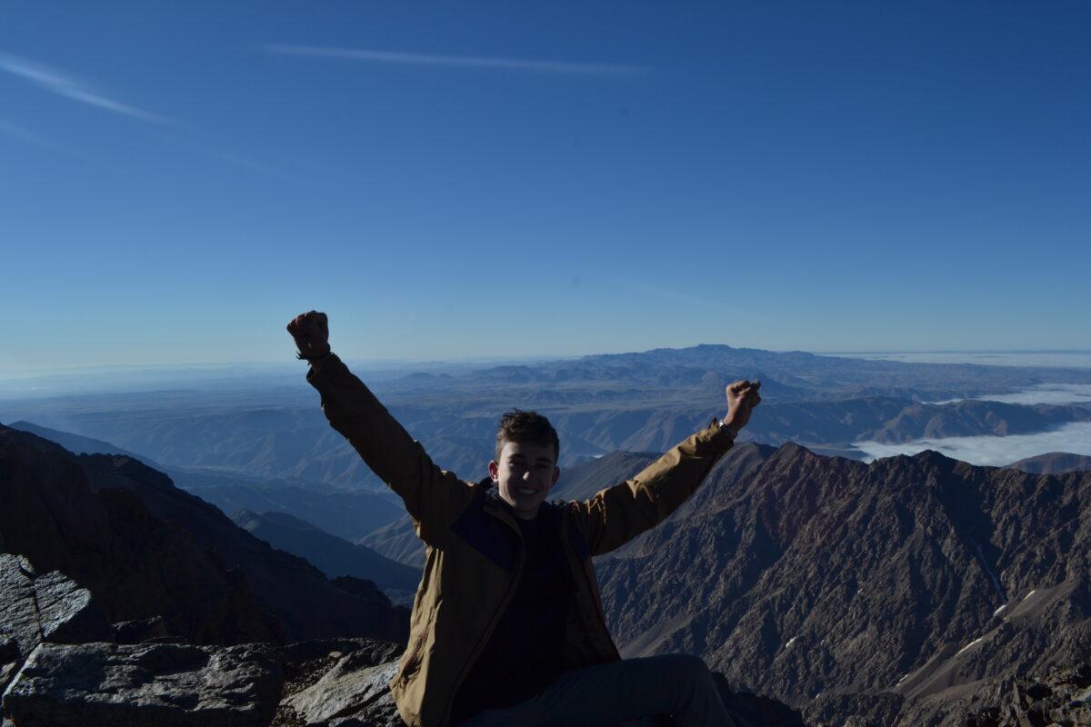 Thomas op de top van de Toubkal