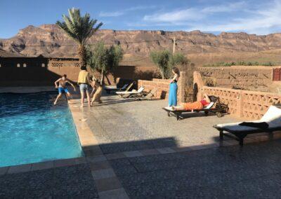 Ne een week zand is een zwembad welkom